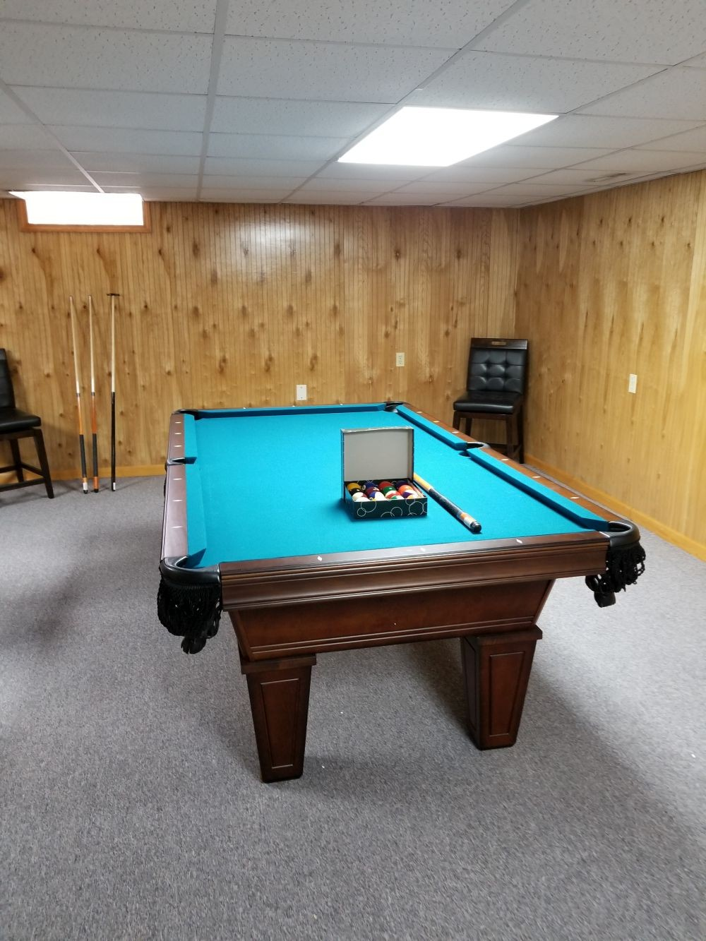 Avon Pool Table By American Heritage With Electric Blue Cloth ...